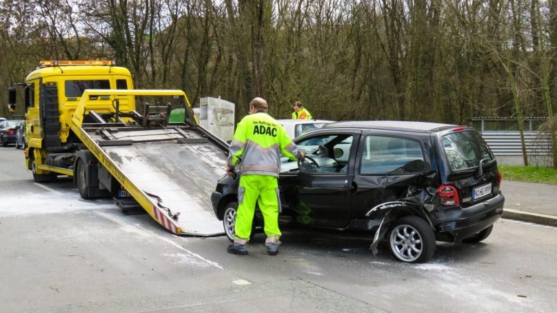 Kiedy warto skorzystać z usług pomocy drogowej?