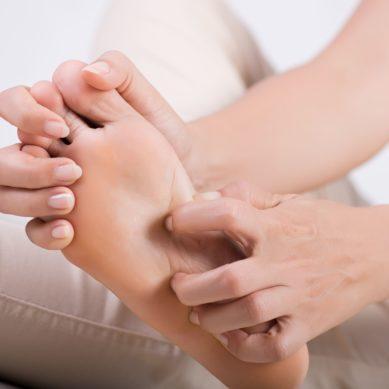 Problemy ze skórą stóp- jak je rozpoznać?